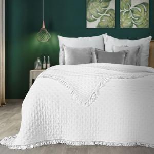 Romantický biely prehoz na posteľ s volánmi
