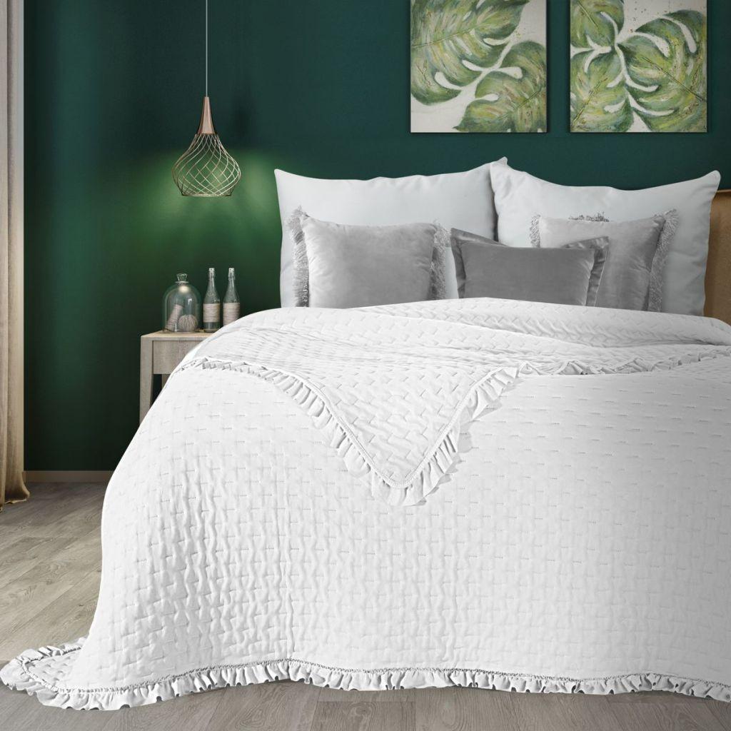 DomTextilu Romantický biely prehoz na posteľ s volánmi Šírka: 220 cm   Dĺžka: 240 cm 40385-185367