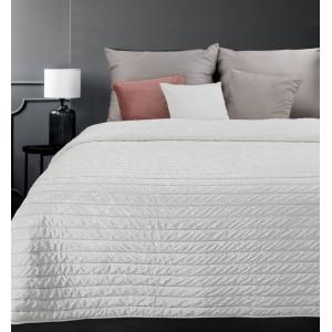 Elegantný sneho biely prehoz na posteľ s trblietkami