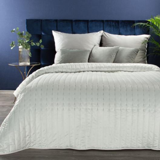 Snehovo biely zamatový prehoz na manželskú posteľ