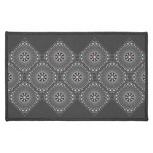 Tmavo sivý koberec do predsiene s ornamentálnym vzorom 50 x 80 cm