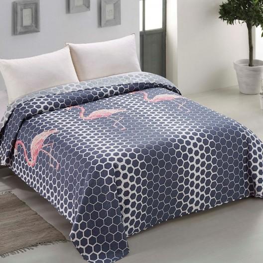 Dekoračná prikrývka na posteľ s motívom ružového plameniaka