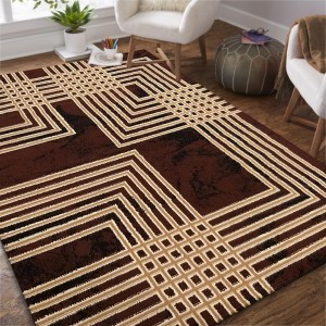 Moderný hnedý koberec s geometrickým motívom štvorcov