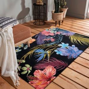 Luxusný čierny koberec s motívom exotických kvetov