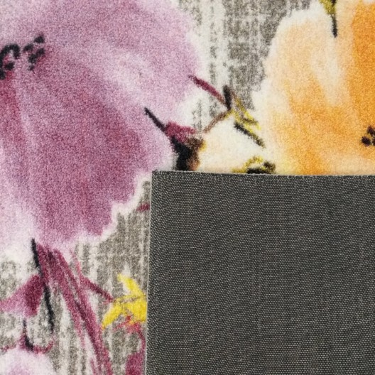 Kvalitný farebný koberec s motívom kvetov