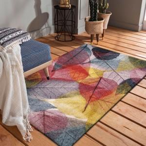 Krásny kvalitný koberec s farebnými listami