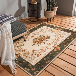 Krásny zeleno krémovy koberec do obývačky