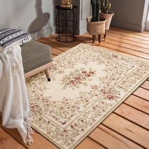 kvalitný vintage koberec do obývačky v krémovej farbe