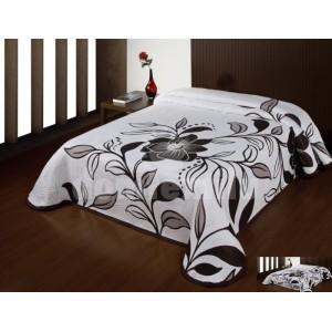 Luxusný obojstranný prehoz na posteľ biely s hnedými kvietkami