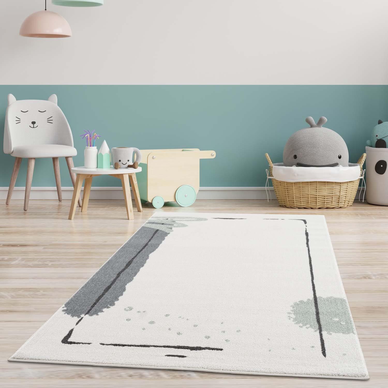 DomTextilu Krémový koberec do detskej izby so zelenou machuľou 41726-197017
