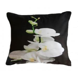 Čierna obliečka na vankúš rozmer 50 x 60cm s bielou orchideou SKLADOM