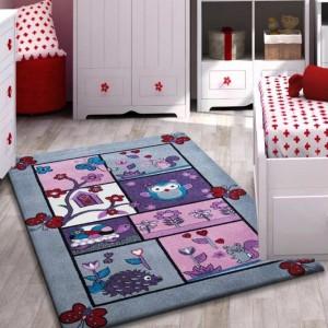 Mäkký koberec sivý so zvieratkami