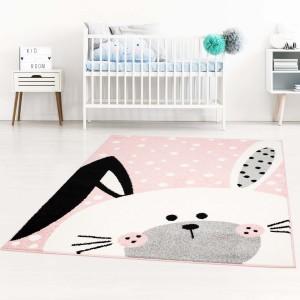 Kúzelný detský ružový koberec pre dievčatko zajačik