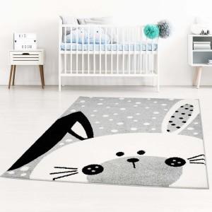 Detský sivý koberec na hranie zajačik