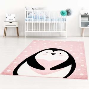 Ružový detský koberec pre dievčatko na hranie tučniak