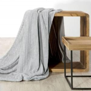 Svetlo sivá deka s reliéfnym vzorom 150 x 200 cm
