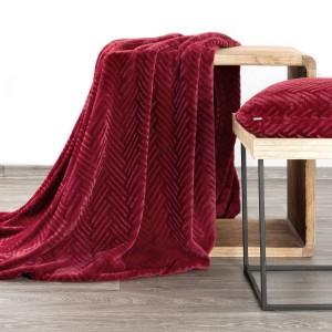 Kvalitná bordová deka s jemným vzorom 150 x 200 cm