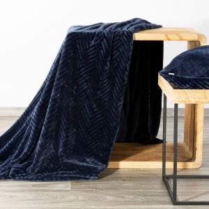 Krásna tmavo modrá vzorovaná deka 150 x 2000 cm