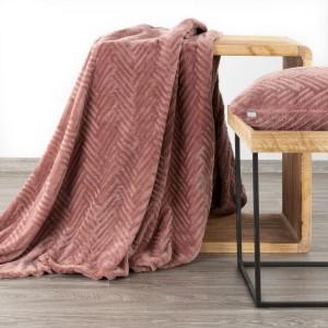 Tmavo ružová kvalitná deka s jemným reliéfnym vzorom 150 x 200 cm