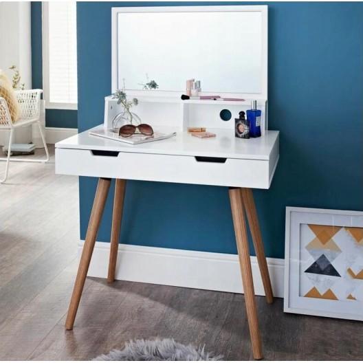Toaletný stolík so zrkadlom v modernom dizajne