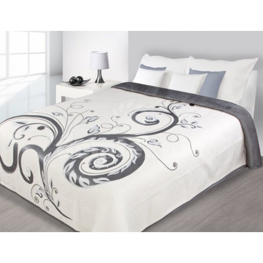 Čierno biely obojstranný prehoz na posteľ s motívom kvetov