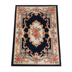 Krásny tmavomodrý koberec s kvetinovým vzorom
