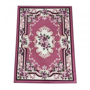 Krásny ružový koberec s kvetinovým vzorom