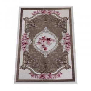 Krásny hnedý koberec s kvetinovým vzorom