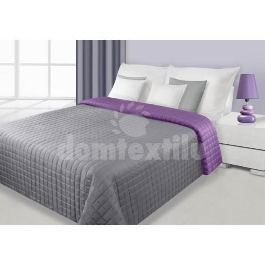 Prehoz na postele obojstranný striebornej farby s kockovaným vzorom