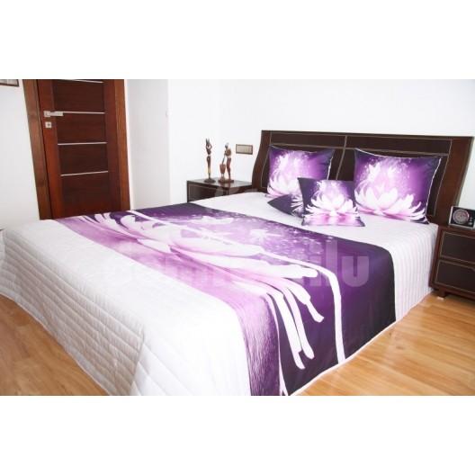 Prehoz na posteľ bielej farby s motívom fialového kvetu