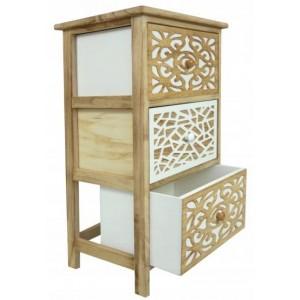 Kvalitná drevená komoda so zaujímavými detailmi