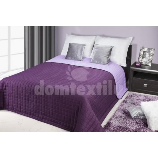 Prehoz na posteľ tmavofialovej farby s prešívaným motívom