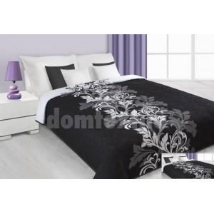 Prehoz na posteľ čiernej farby s bielymi kvetmi