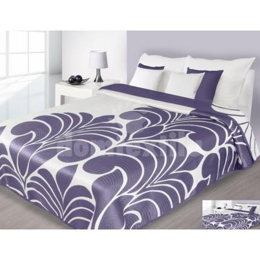 Prehoz na posteľ krémovej farby s fialovým vzorom