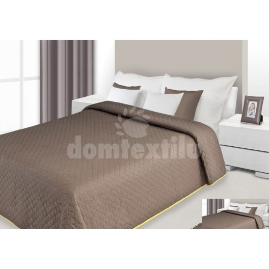 Prehoz na posteľ hnedej farby s prešívaným vzorom