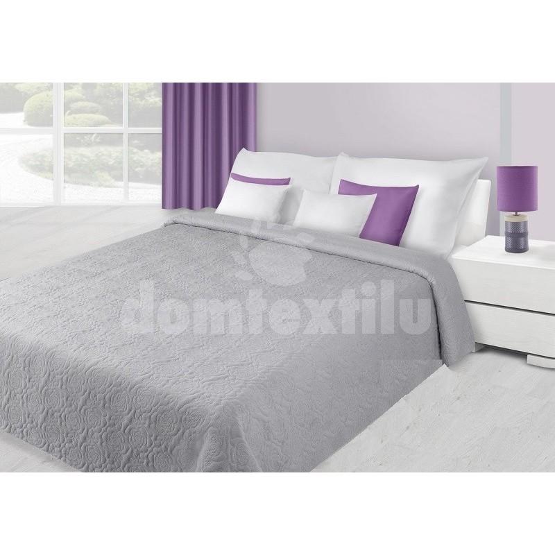 7340dd5aac42a Prehoz na posteľ striebornej farby s kvetovým prešívaním - domtextilu.sk