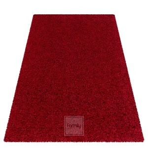 Kvalitný bordový koberec s vysokým vlasom