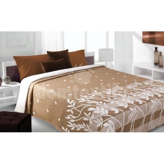 Prehoz na posteľ hnedej farby s krémovými vzormi