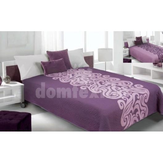 Prehoz na posteľ fialovej farby so vzorom