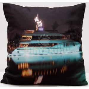 Obliečka na vankúše tmavosivej farby s potlačou lode