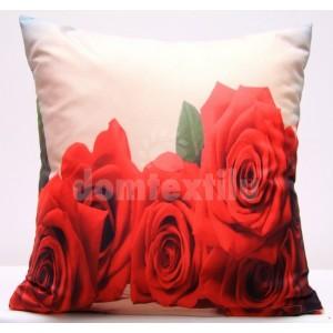 Béžová obliečka na vankúš s červenými ružami