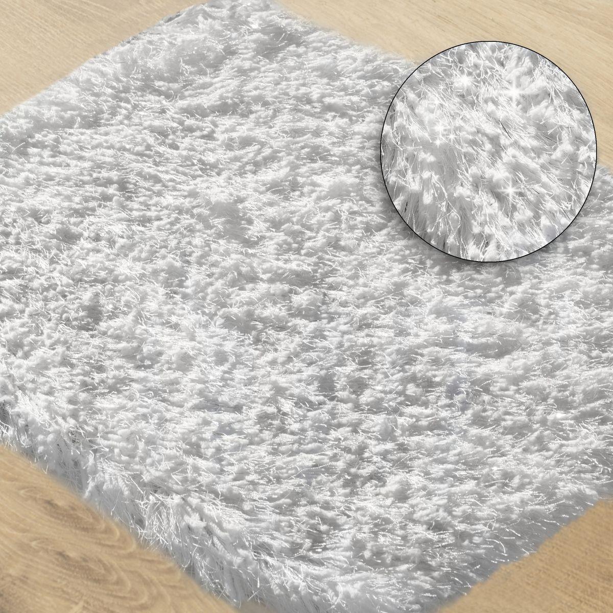 DomTextilu Biely kúpeľňový koberec so striebornou niťou 50 x 70 cm Šírka: 50 cm | Dĺžka: 70 cm 44467-208044