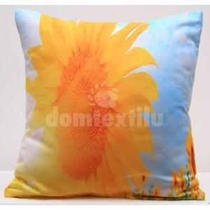 Nebesky modrá obliečka na vankúš so žltou slnečnicou