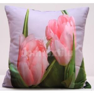 Biela obliečka na vankúše s motívom ružových tulipánov