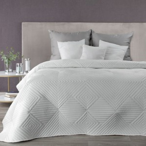 Elegantný prešívaný prehoz bielej farby