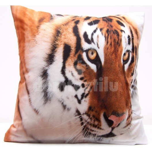 Obliečka na vankúše bielo hnedej farby s motívom tigra