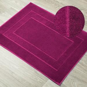 Froté kúpeľňová predložka v krásnej amarantovej farbe