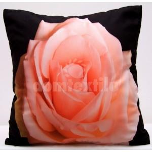Čierne obliečky na vankúš s motívom lososovej ruže