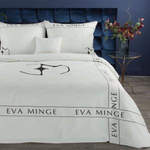 Biele posteľné obliečky bavlnený satén s menom a logom návrhárky EVA MINGE