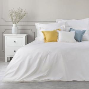 Biele bavlnené posteľné obliečky na paplón s jemným saténovým leskom